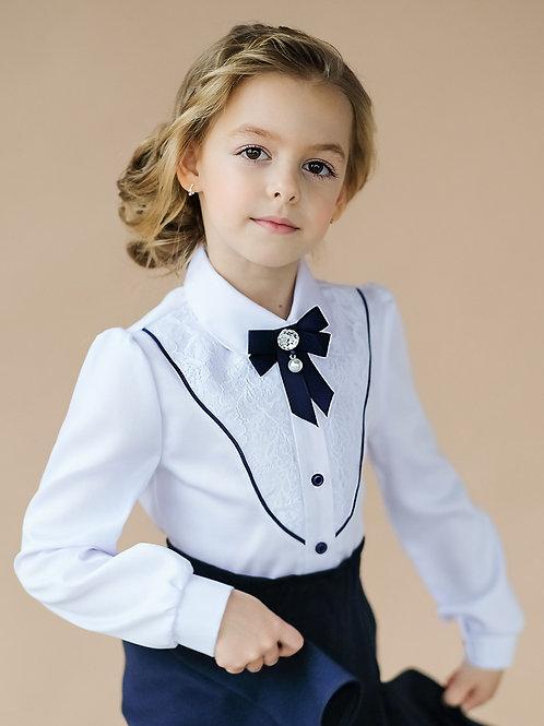 школьная блузка с синей отделкой и бантиком