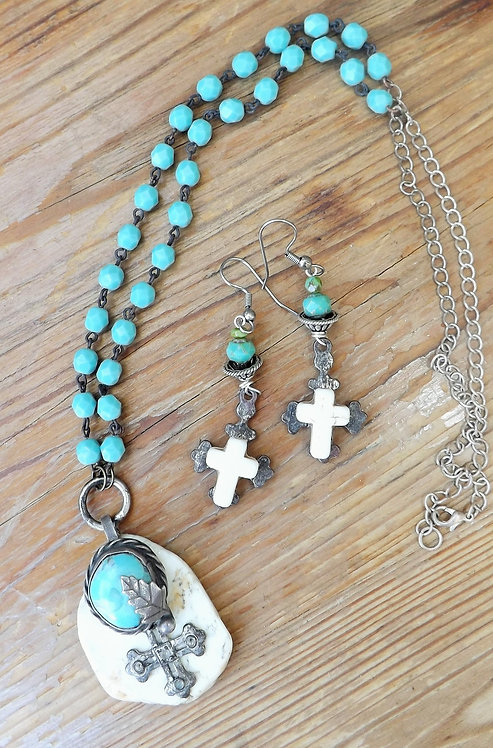 Turquoise / White Pendant  Necklace with Earrings