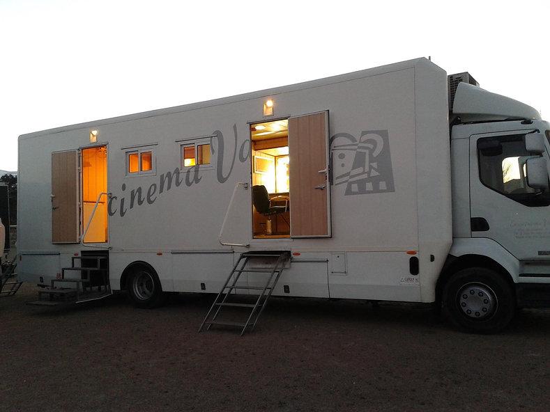 Transporte cinematografico, cine, televisión y tv