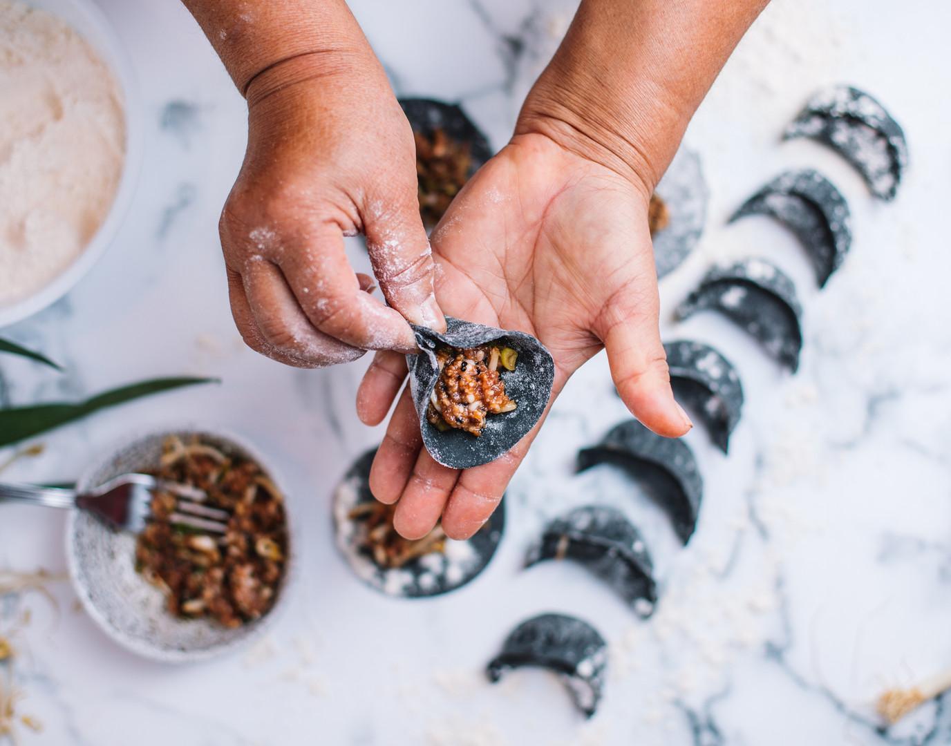 Dumplings feitos a mão