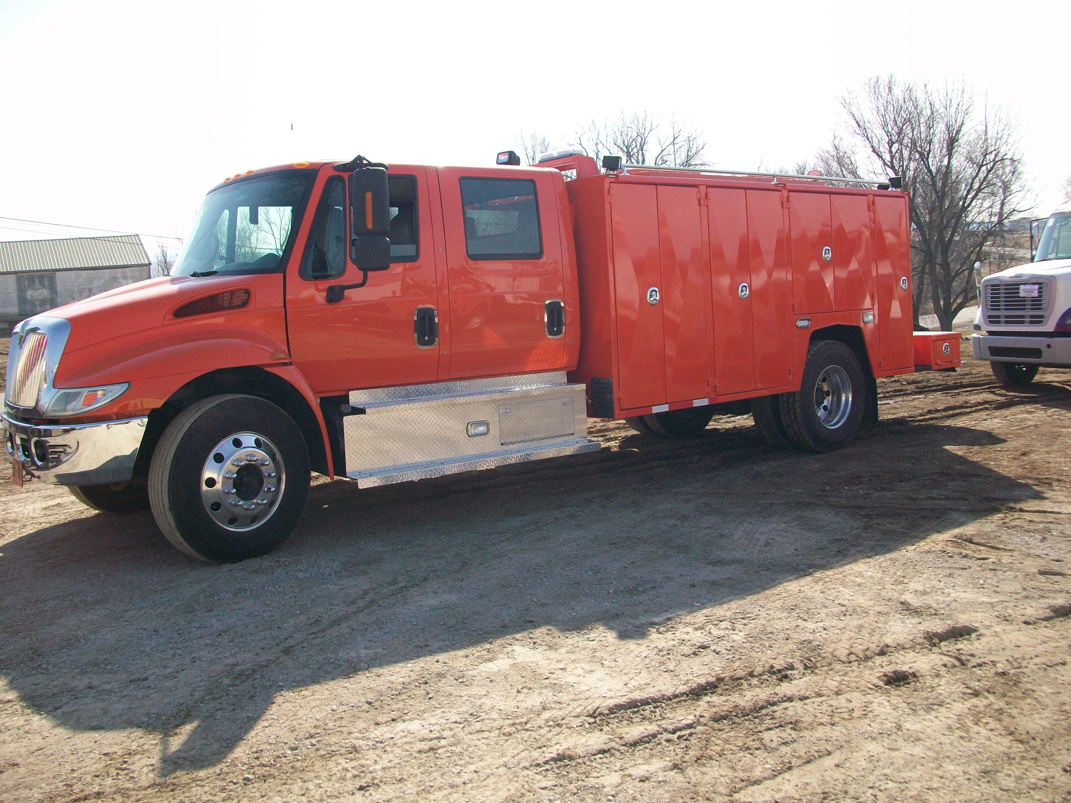 gooseneck bumper service truck (1)