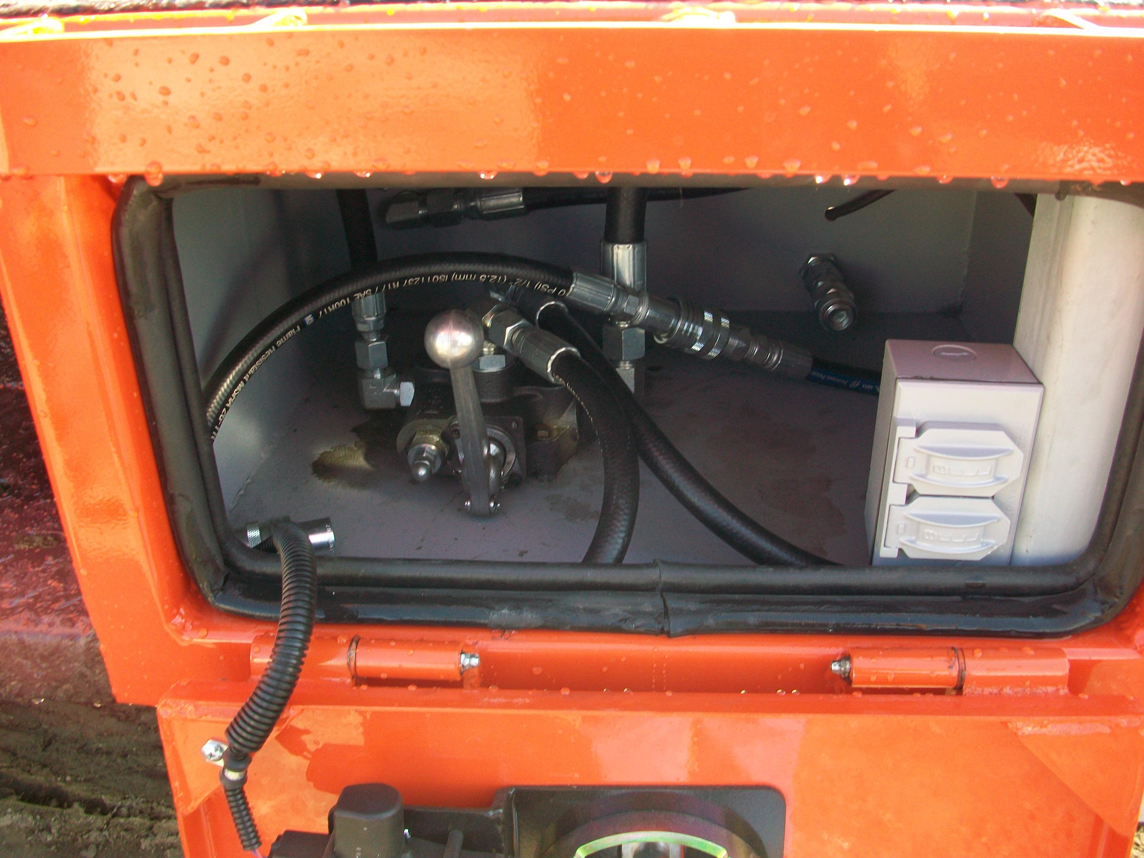 gooseneck bumper service truck tool circuit