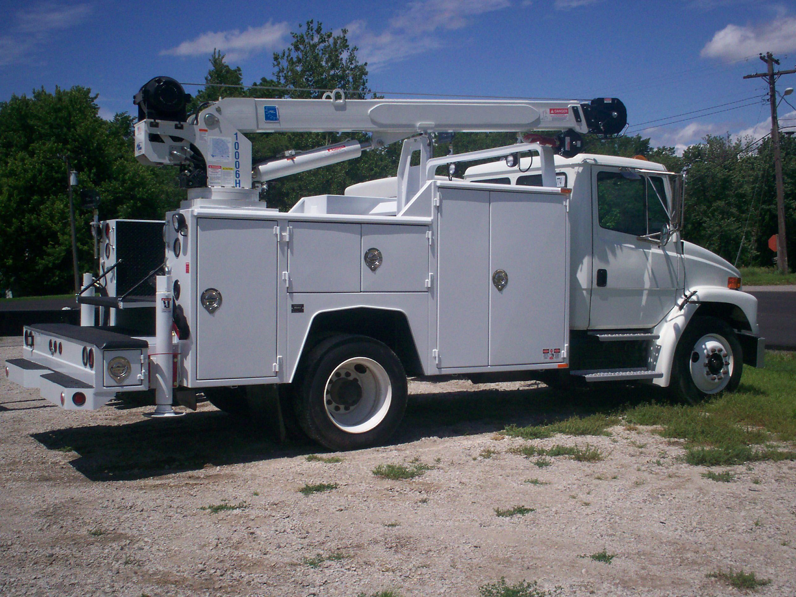 84 cab to axle crane body