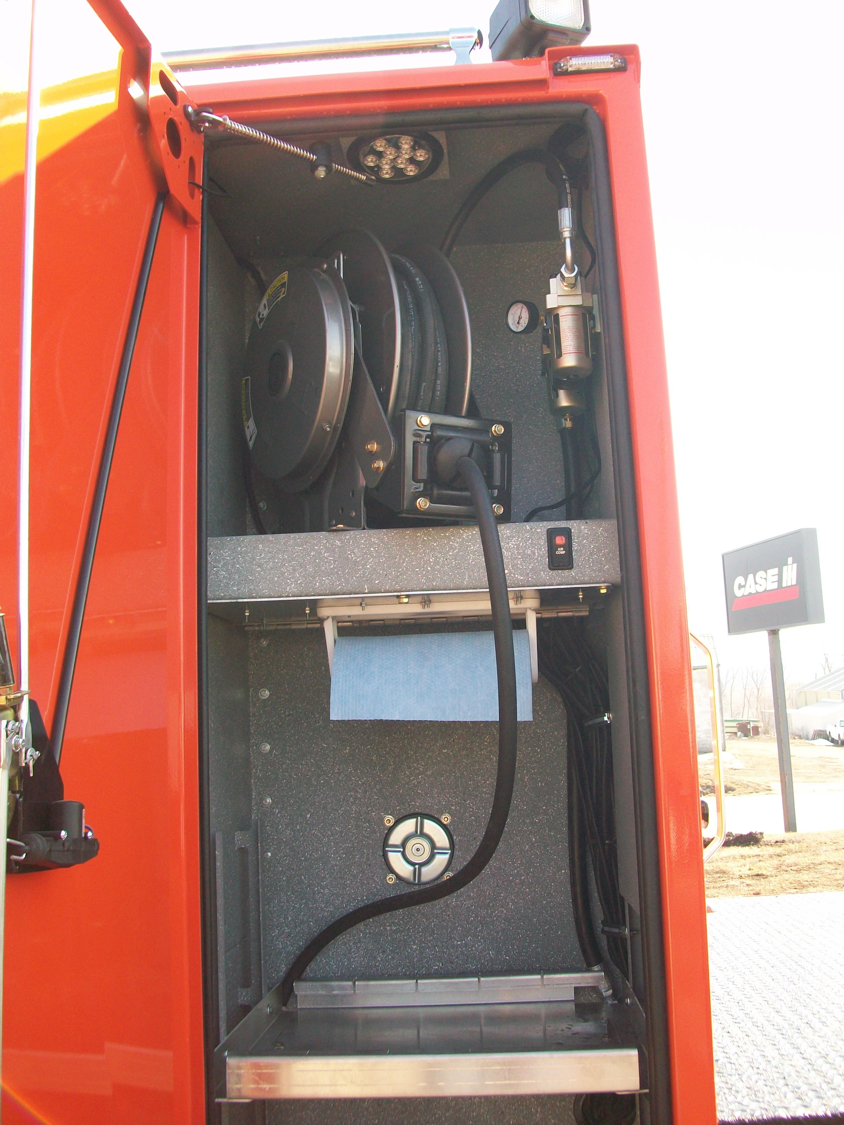 gooseneck bumper service truck air delivery
