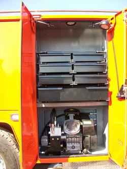 gooseneck bumper service truck air compressor