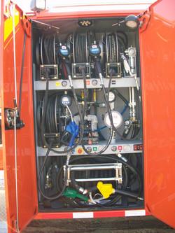 gooseneck bumper service truck fuel lube delivery