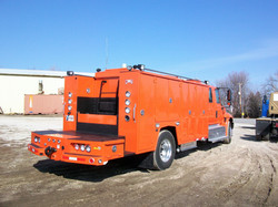 gooseneck bumper service truck curb side