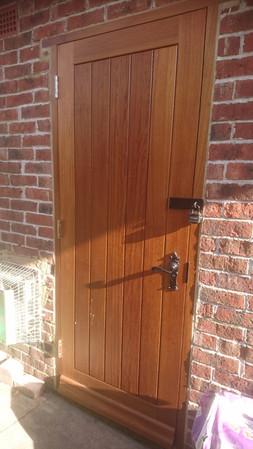 Oak Vertical Panel Door.jpg