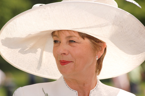 Mother of the Groom in hat at Sheffield Botanical Gardens