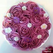 Decorated Victoria Sponge -£14.99