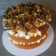 Salted Caramel Cake -£15.99