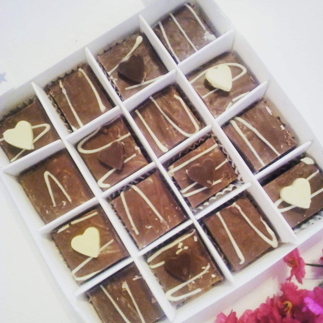 Milk and White Choc chunks box - £9.99