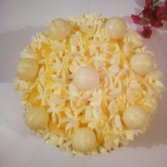 Lemon & white Lindor Cake - £18.99