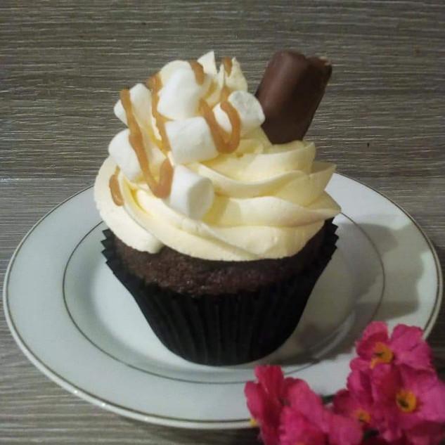 Salted Caramel Hot Chocolate Cupcake
