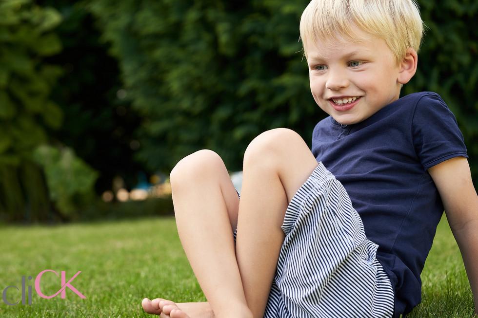 Kinderfotos-im-Garten-cliCK-Claudia-Köne