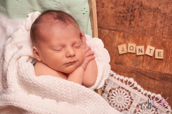 Fotos-von-Neugeborenem-Baby-Bremen-Babyf