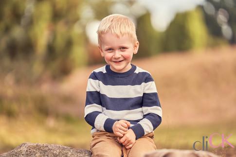 Heideblüte-Fotoshooting-Kinderfotos-Clau