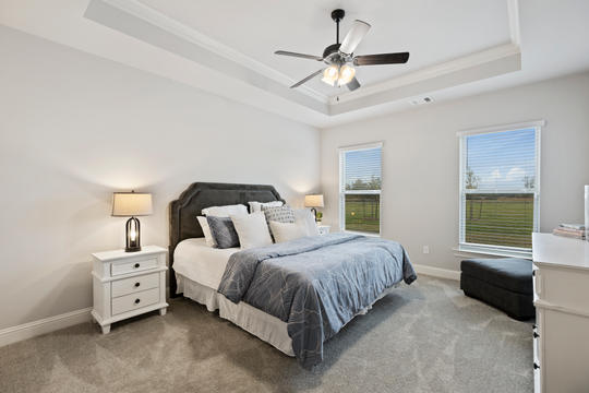 jamestown-crossing-master-bedroom-2jp
