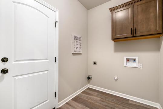 cambre-oaks-laundry-roomjpg
