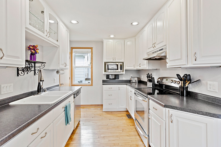 608 Alfred, Plymouth WI_019.jpg