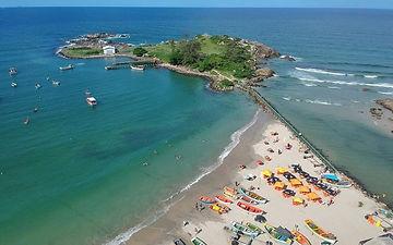 praia-da-armacao-florianopolis.jpg