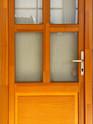 Egyszerű bejárati ajtó