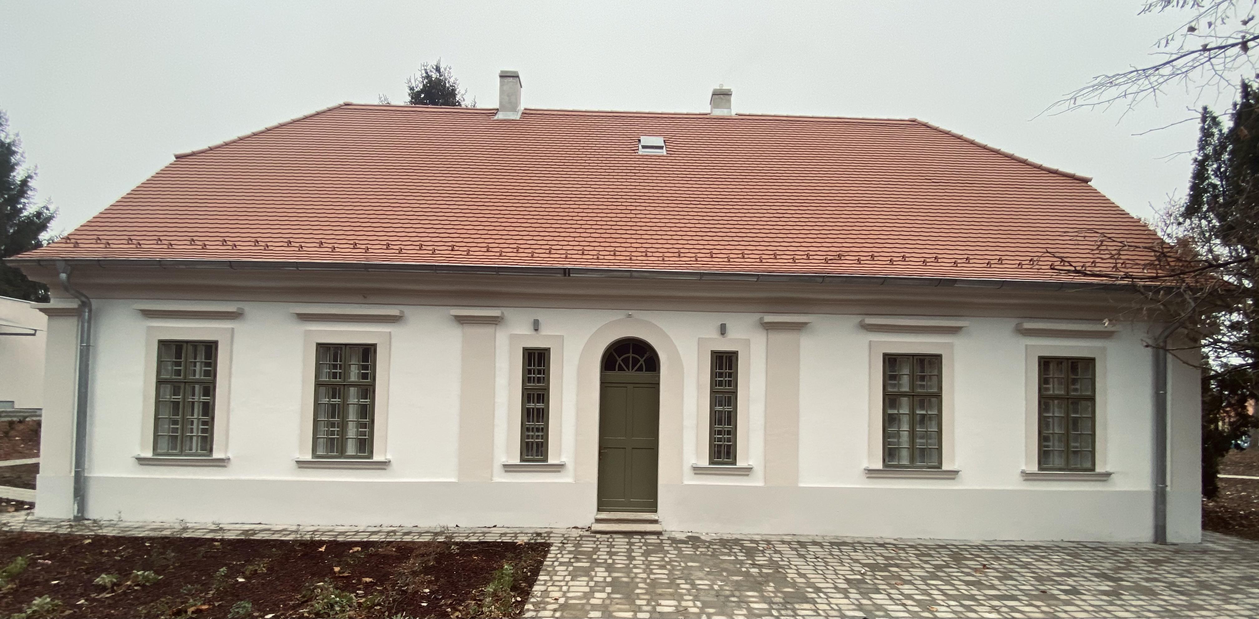 Perczel-kúria melléképület