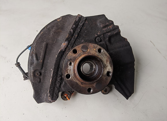 BMW X5 3.0 D 2004 RIGHT FRONT WHEEL HUB STEERING KNUCKLE (2003-2006)
