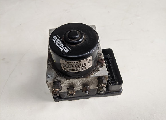 VOLVO XC90 2.4 D5 ABS PUMP WITH MODULE P30643979