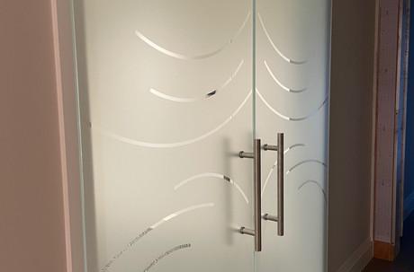 Framelss Entryway door design