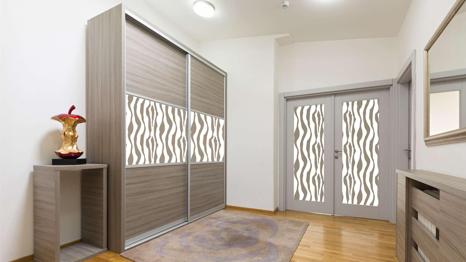 Closet with doors Web.jpg