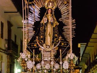 Martes Santo: Procesión de Nuestra Señora La Virgen de los Dolores
