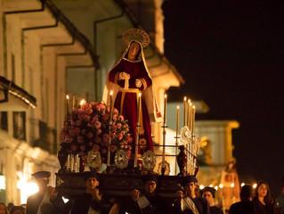 Las calles de Popayán y las procesiones de Semana Santa siempre juntas y en armonía