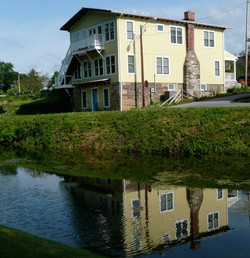 Riverrun B&B from the towpath