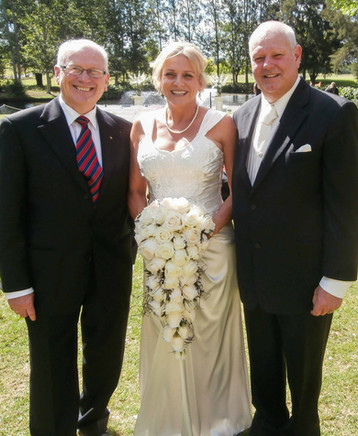wedding celebrant (16 of 51).jpg