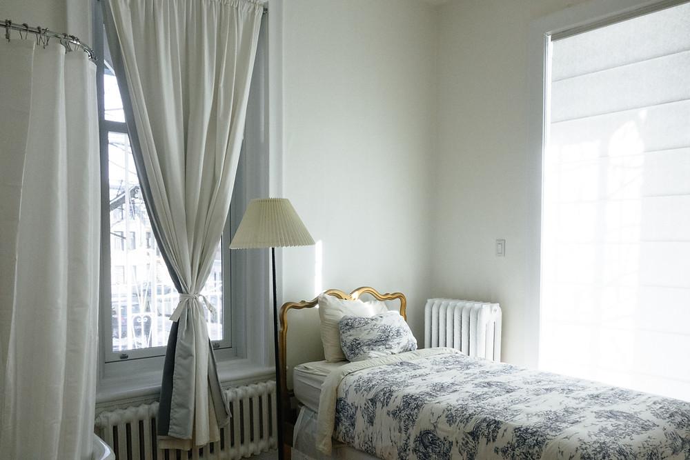 Comfortable bedroom. Ali Inay | Unsplash