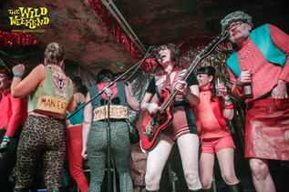 Maneaters On Stage