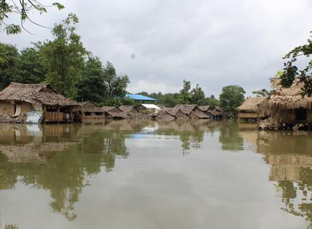 Ajudando as vítimas da inundação em Myanmar