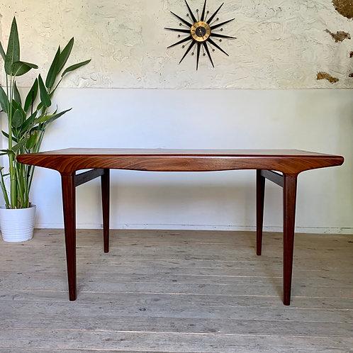 RÉSERVÉ  - Table scandinave vintage en teck