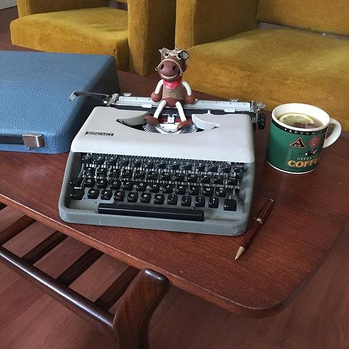 Machine à écrire Engadine Antares