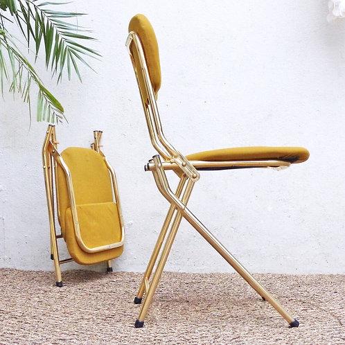 Chaises chrome doré et jaune et vintage et pliables -