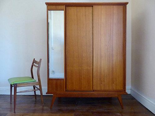 Armoire penderie vintage en chêne portes coulissantes