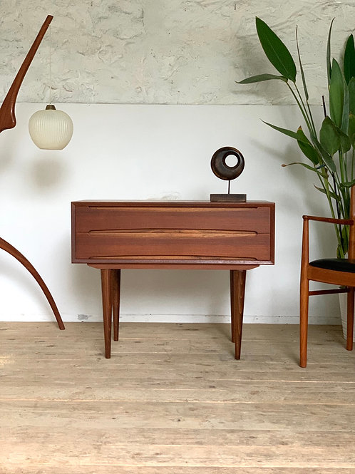 Commode scandinave vintage en teck