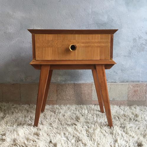 chevet vintage table de nuit vintage gueridon vintage. Black Bedroom Furniture Sets. Home Design Ideas