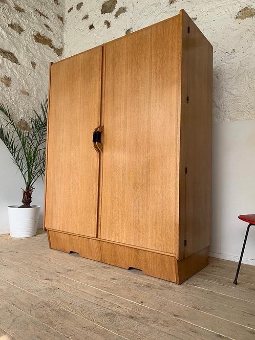 Armoire Penderie haut de gamme vintage en chêne
