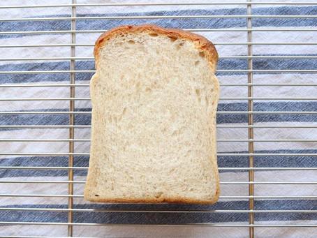 油脂を極限まで減らしても、ふんわり美味しい。こだわりの食パン