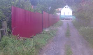 Забор из профлиста, распашные ворота, калитка. 50 метров Стоимость под ключ 100 000 рублей.