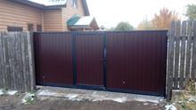 Откатные ворота с автоматикой, встроенная калитка. Стоимость под ключ 60 000 рублей.