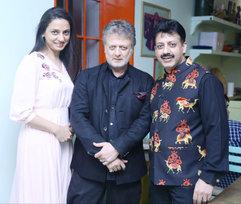 Ruchika Oberoi, Rohit Bal (Fashion Designer) & Gaurav Grover (Founder & Chairman)
