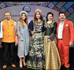V.K. Saxena (Chairman, KVIC(khadi)), Srishti Kaur (Miss Teen Universe), Ishika Taneja (Miss World Tourism), Palka Grover (Luxury President) & Gaurav Grover (Founder & Chairman).